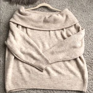 Off the shoulder H&M sweater. Worn once. Size med.